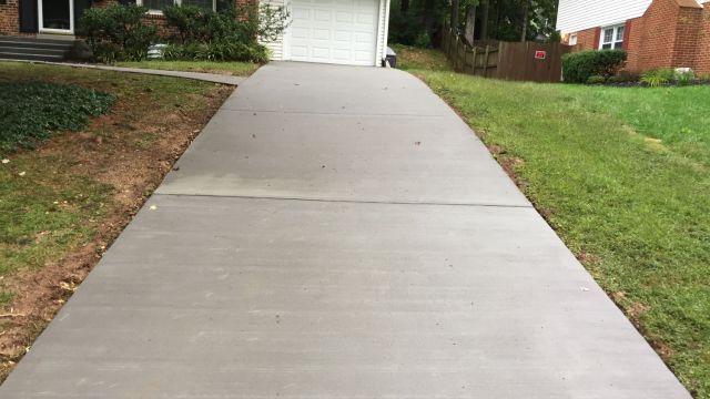 Concrete Driveway, Entryway Sidewalk in Loudoun County - Wright's Concrete