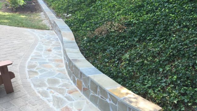 Variegated Flagstone Steps and Retaining Wall in Springfield, VA - Wright's Concrete